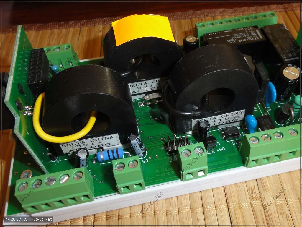 Внутренняя начинка ОМ-310 (трансформаторы тока)
