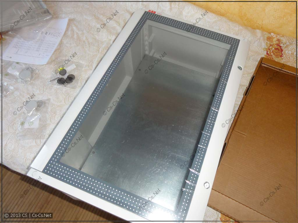 Примериваем шкаф, дверь и монтажную панель