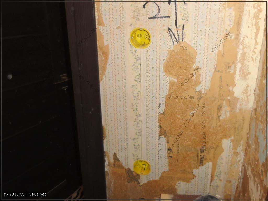 Издеваемся над встроенным шкафом: фигачим подрозетники