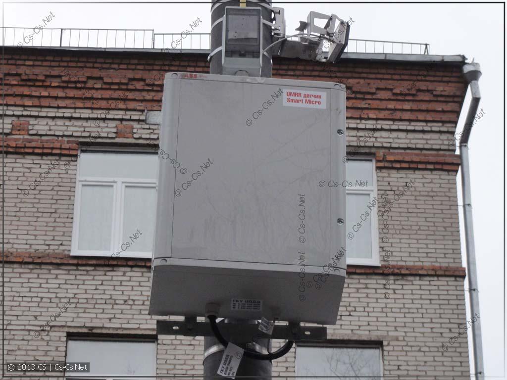 Шкаф ABB GEMINI на столбе (используется для отслеживания автомобильных пробок)