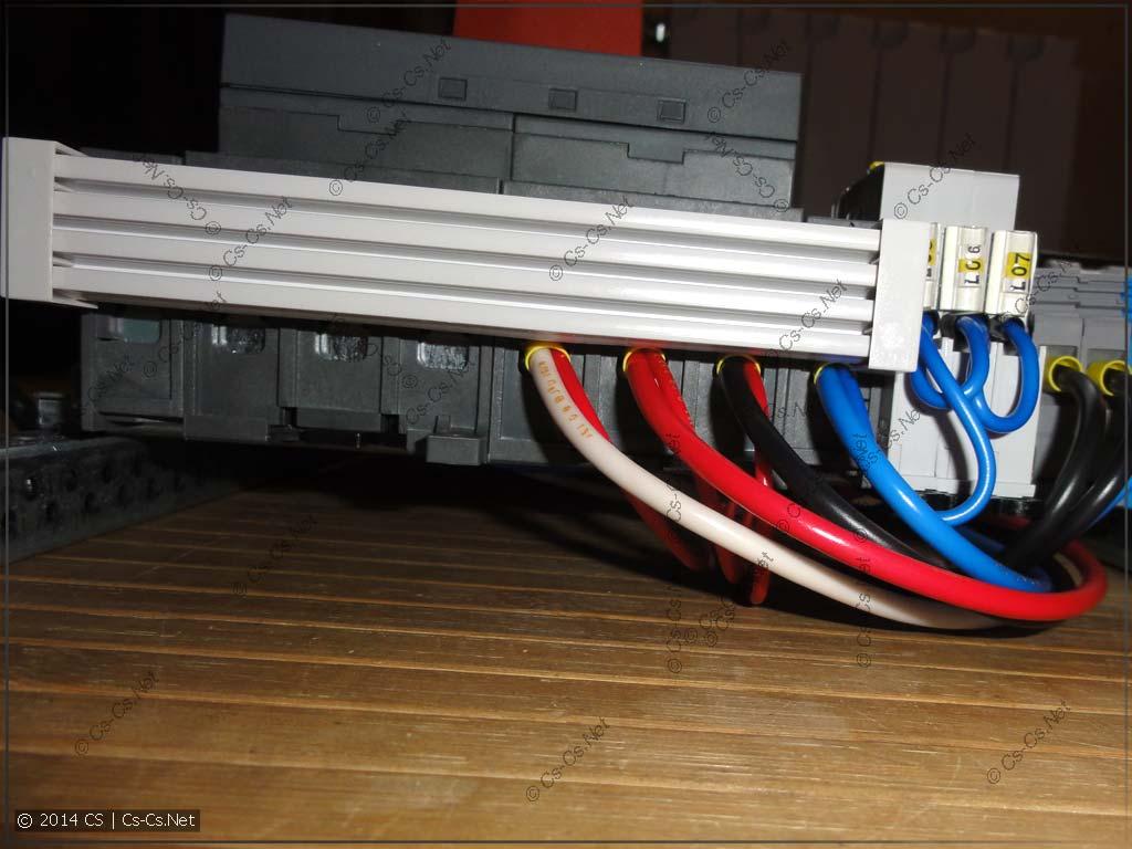 Подключение реверсивного рубильника при помощи соединителя OZXA39