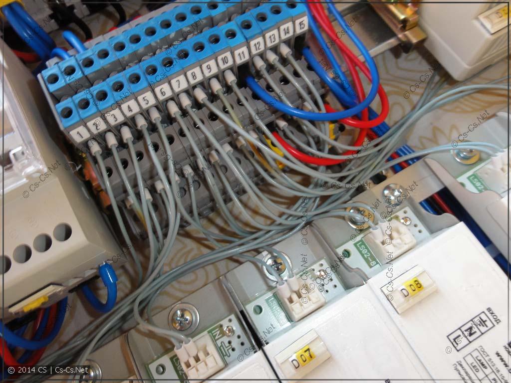 Для подключения LED-драйверов понадобился очень тонкий проводок