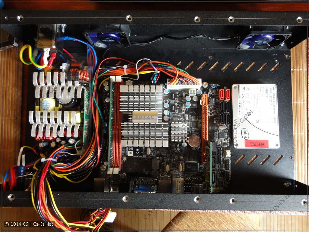 Ставим в корпус от сервера материнку и SSD для системы