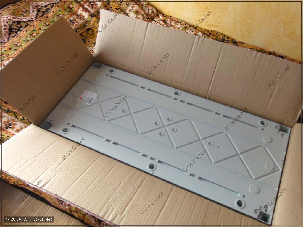 Упаковываем щиток назад в коробку