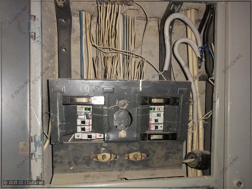 Этажный щиток в домах типа П-3, П44, П55
