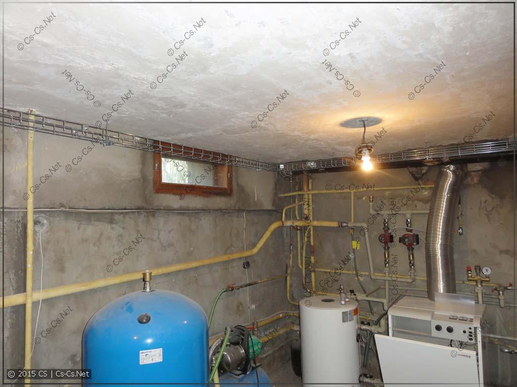 Трасса лотков по подвалу (котлы и водоснабжение)