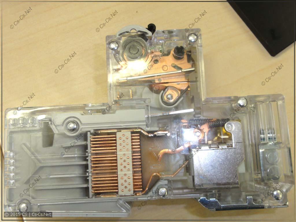 Модель селективного автомата S750 DR