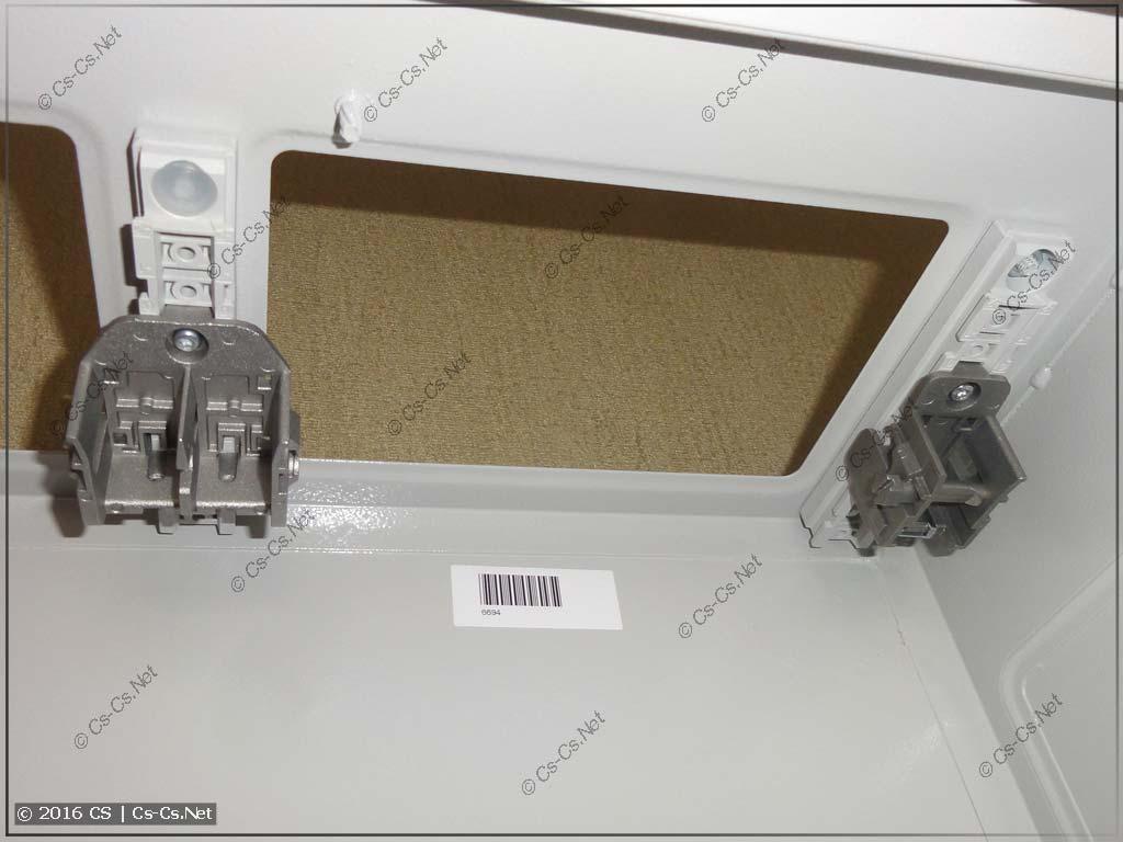 Шкаф с держателями TZ601 для монтажа WR-рамы