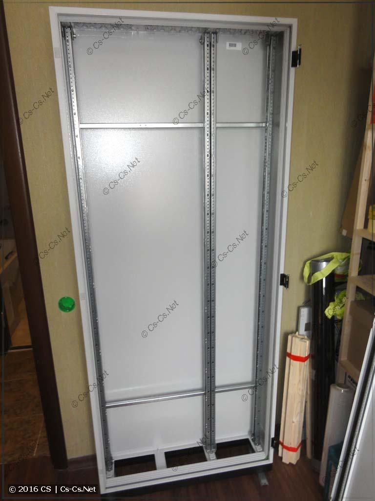 WR-рама собрана и установлена в шкаф