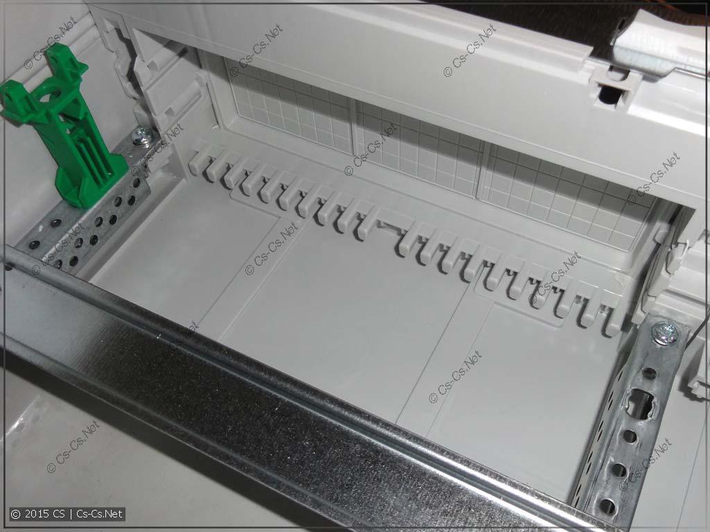 Винты крепления EDF-профиля и держатели кабелей