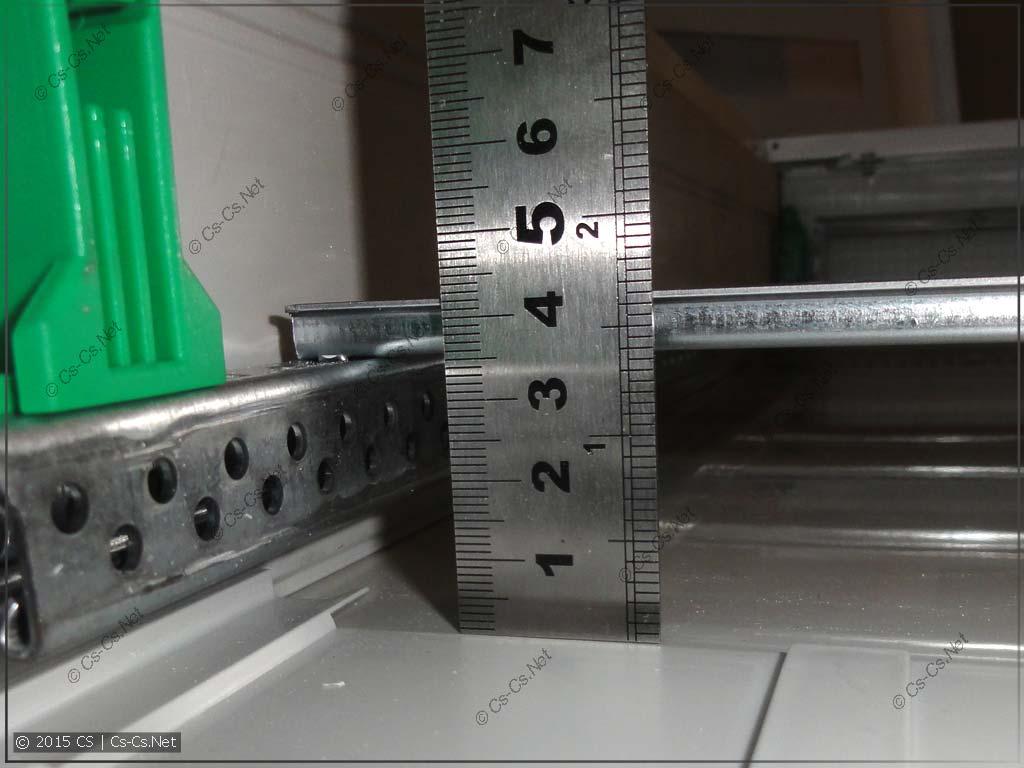 Полезная высота за DIN-рейками щитов серии AT/U