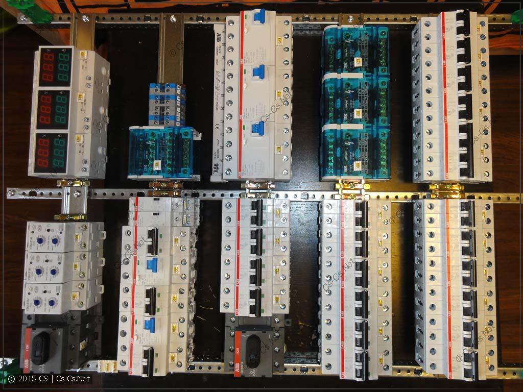 Сборка щита серии AT/U: Устанавливаем все компоненты