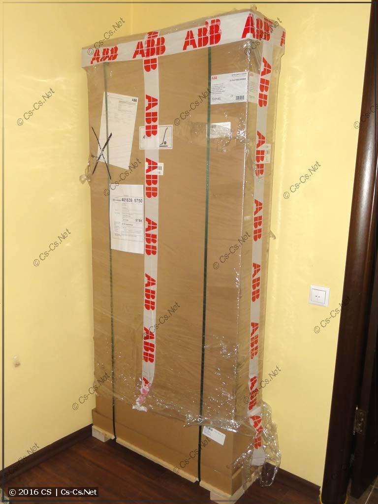 Шкаф ABB серии TwinLine в упаковке
