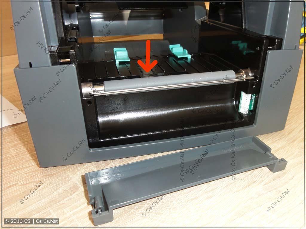 Термотрансферный принтер GODEX G500: Нижний датчик и отсек для аксессуаров