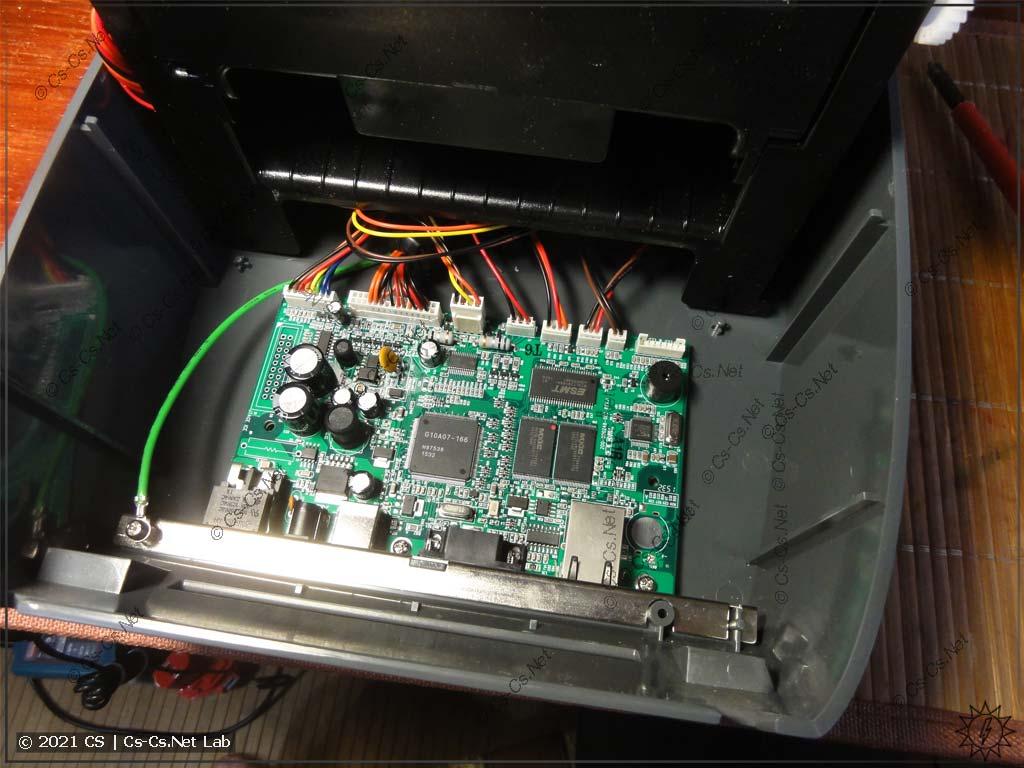 Внутреннее устройство принтера Godex G500 (одна плата на всё)