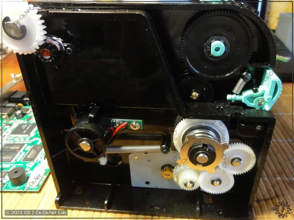 Вид на механизм печати Godex G500
