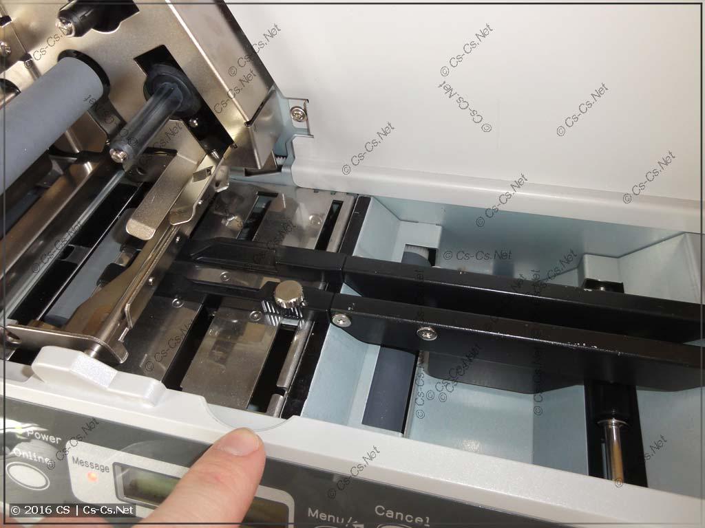 Принтер HTP500: Направляющие планки для носителей