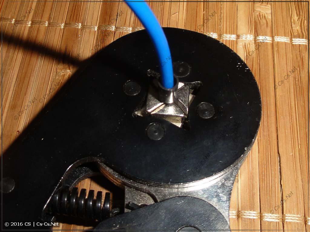 Опрессовка мелких наконечников при помощи КВТ ПКВк-10
