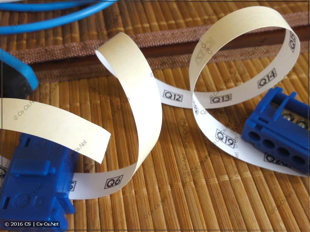 Пример маркировки компонентов щита при помощи Dymo LetraTag