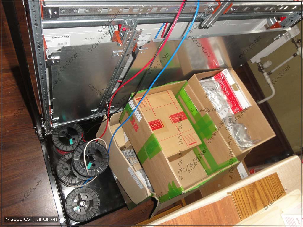 Поддон стапеля используется для проводов или материалов