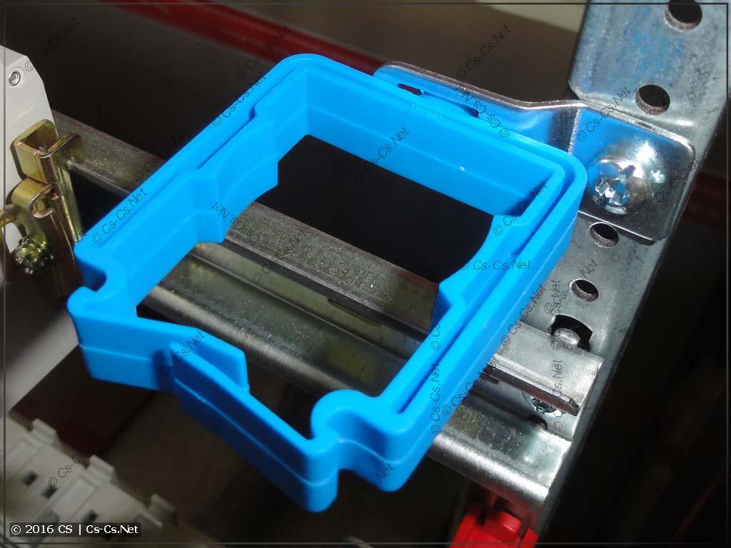 Установка держателя проводов ED45P10 в адаптер ED57P10