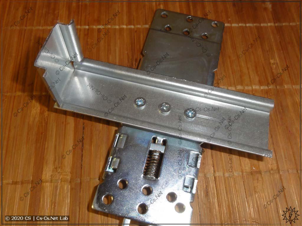 Готовый кронштейн для монтажа модема ОВЕН ПМ-01 на базе монтажной платы для автоматов TMax T1