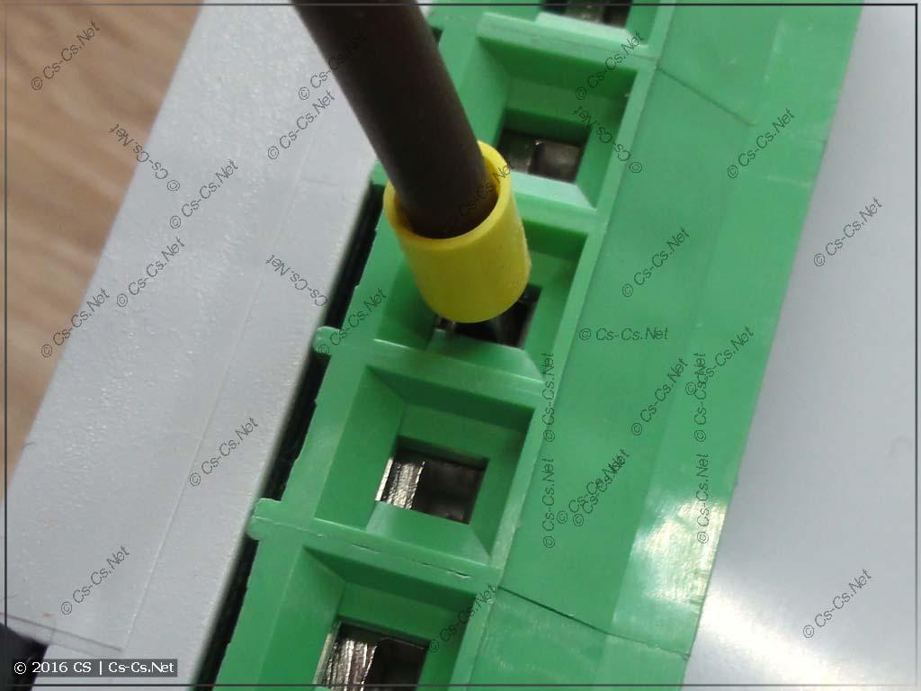 Переключатель фаз НоваТек ПЭФ-319 принимает в себя наконечники до 6 квадратов