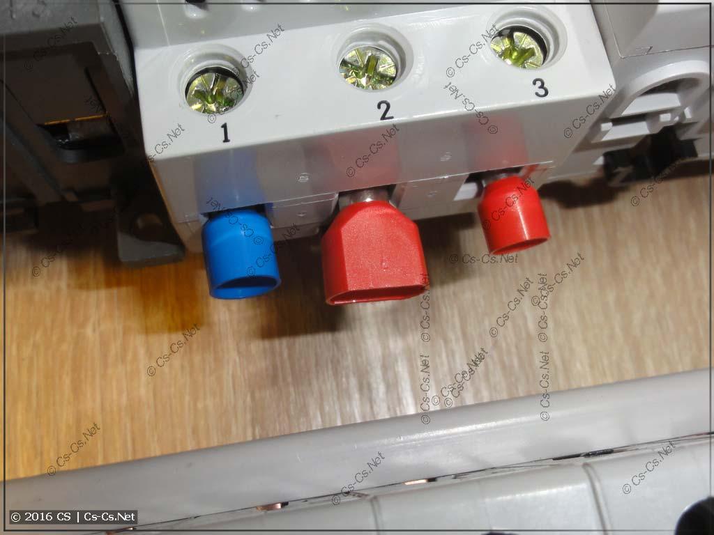 Установка наконечников на 10 квадратов в реле напряжения