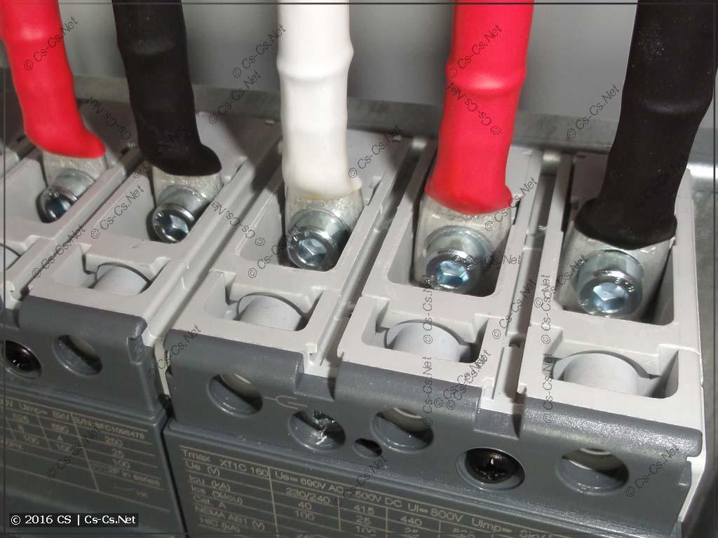 Штатные выводы автоматов TMax XT1 принимают ТМЛ до 25 кв.мм