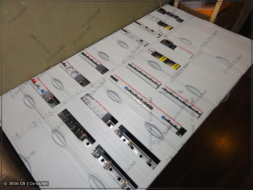 Вся модулька расставлена и щит готов к соединениям