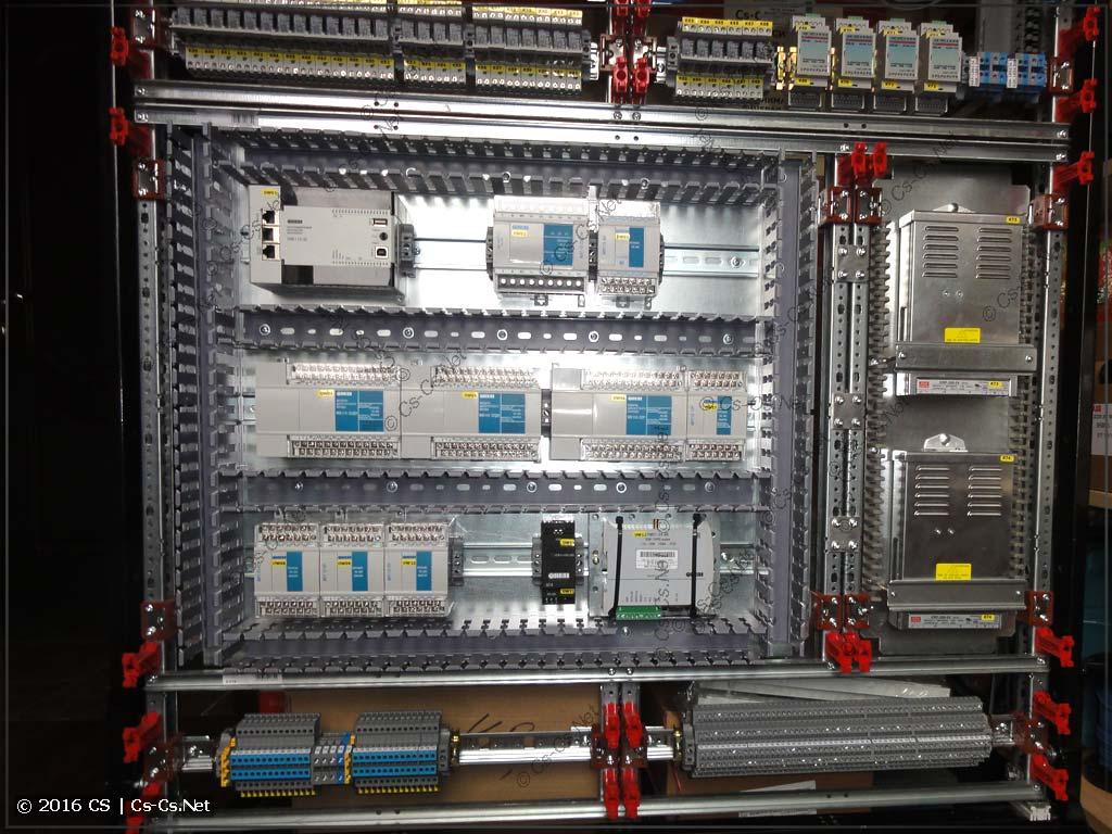ПЛК ОВЕН и его модули установлены на монтажной панели