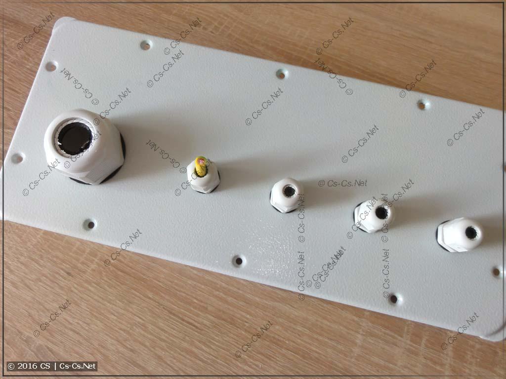 Кабельные вводы PG для вводного кабеля и заземлений