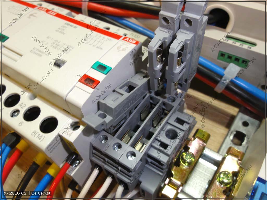 Клеммы ABB SF, защищающие разные части автоматики