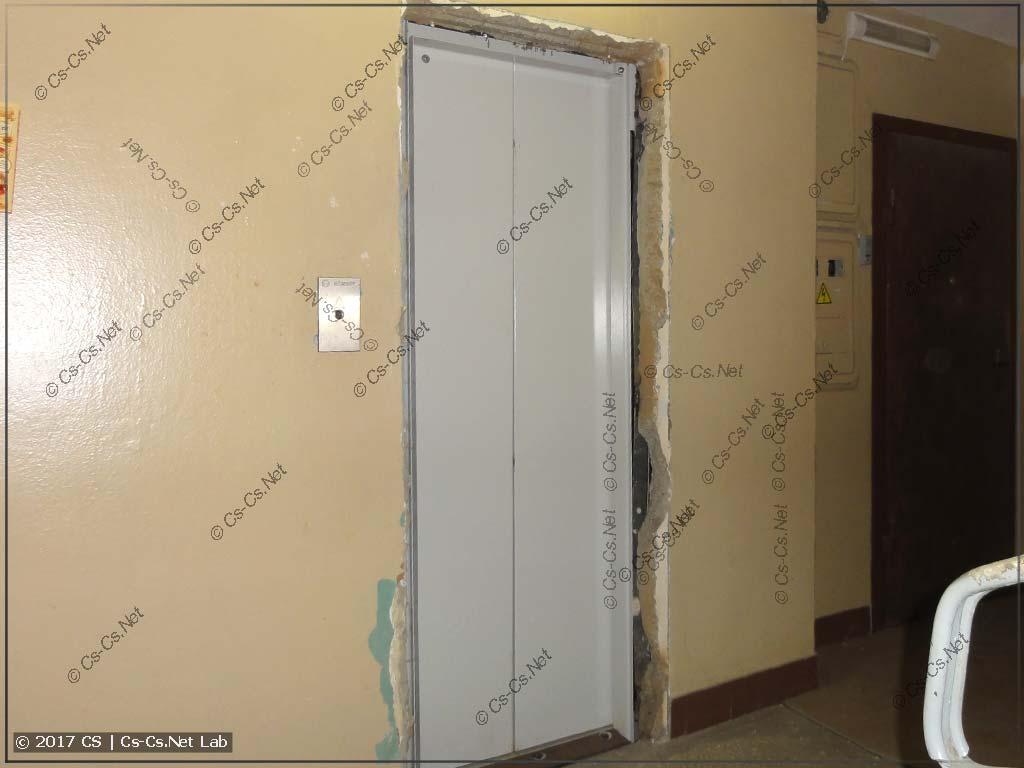 Новые двери нового лифта