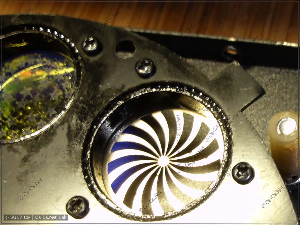 Ограничитель диска в гобо, при помощи которого он устанавливается в начальное положение
