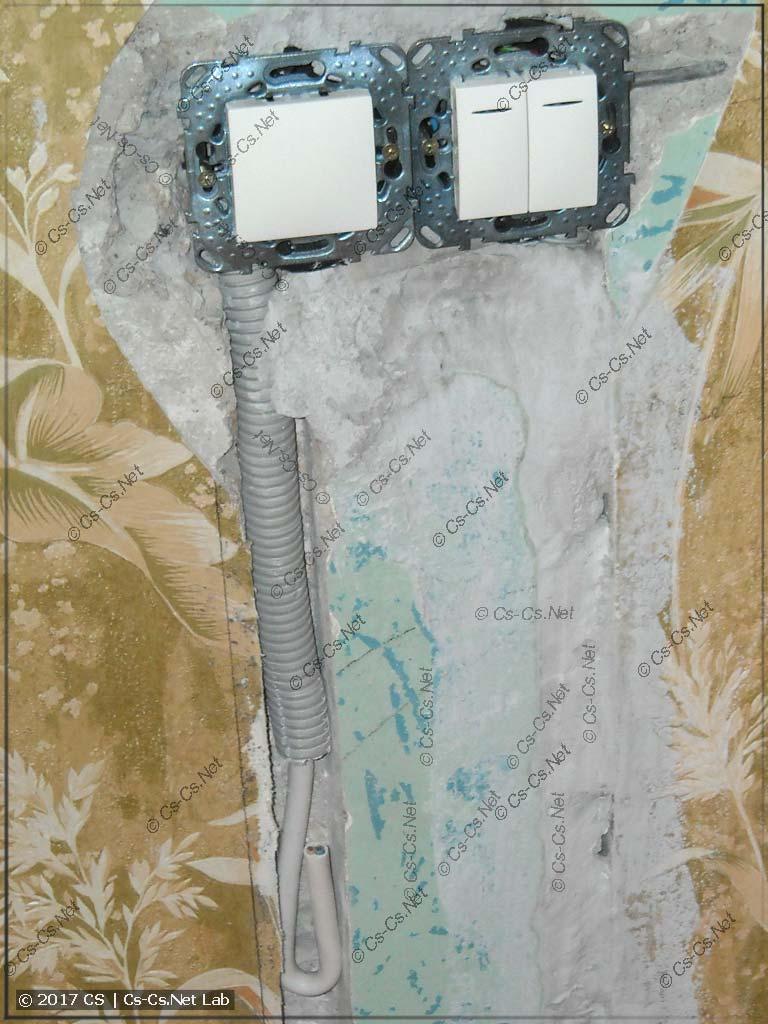 Замурованы подрозетники, сделан проходной выключатель