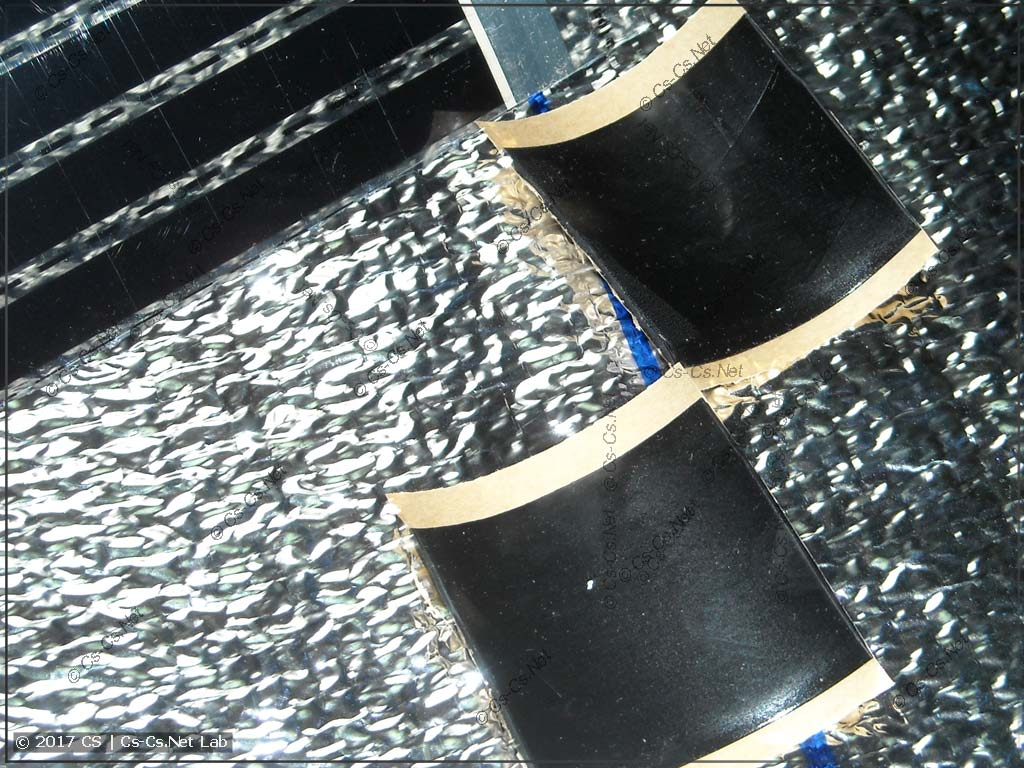 Изолируем концы плёнки при помощи мастичной ленты
