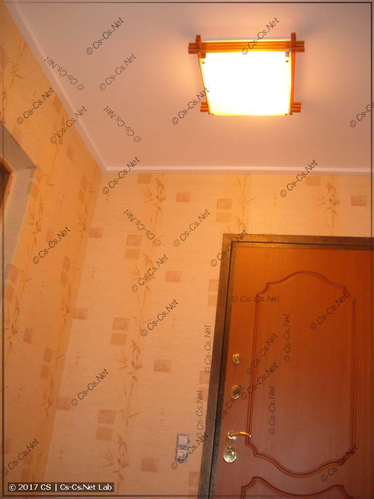 Новые светильники от СОНЕКСа в коридоре