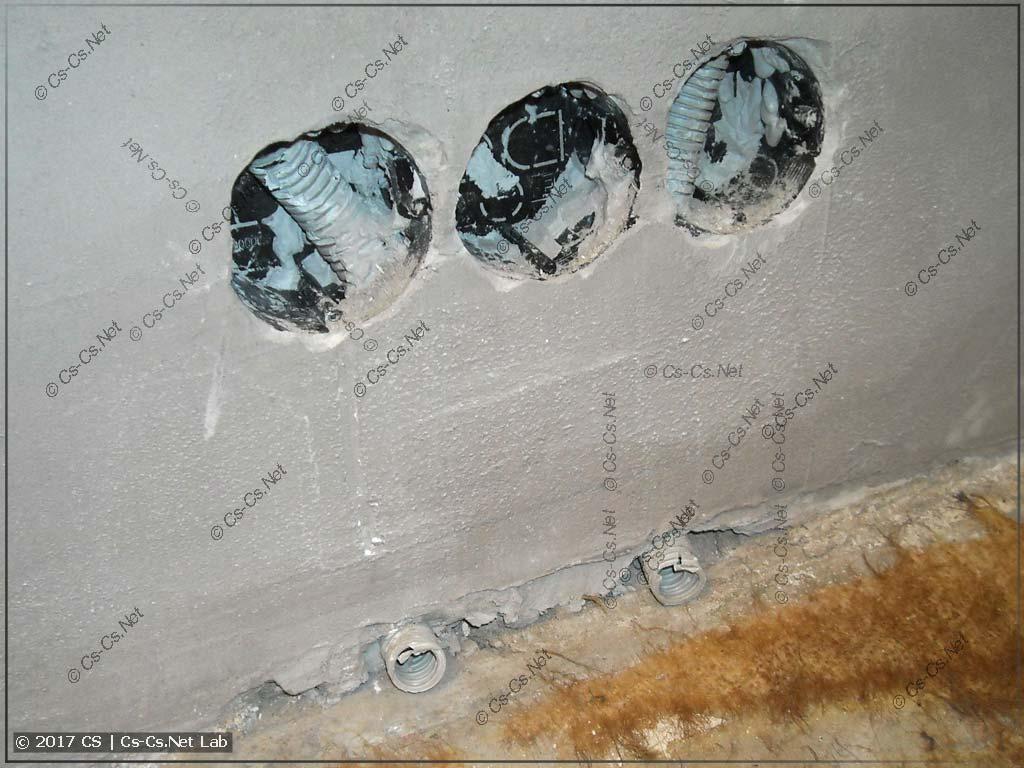 Стена пройдена ротбандом и все подрозетники вмазаны начисто