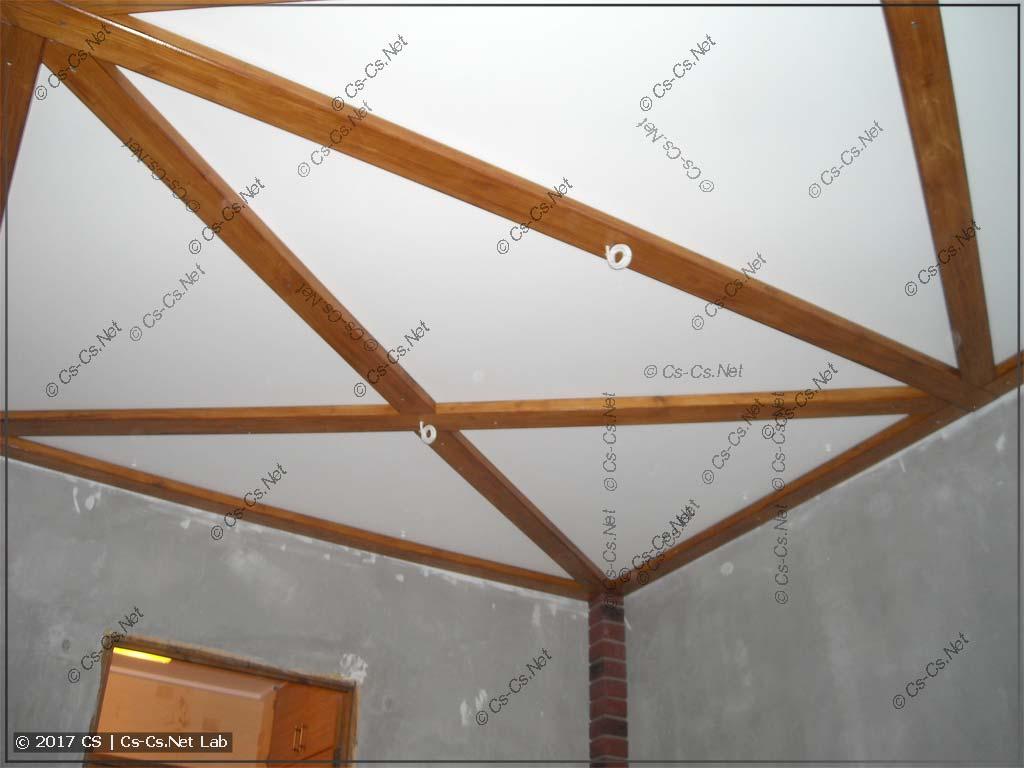 Готовый потолок в моей комнате