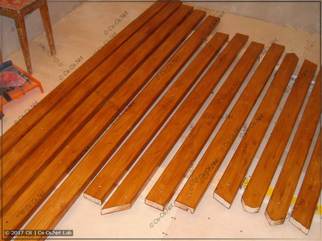Доски для потолка покрашены