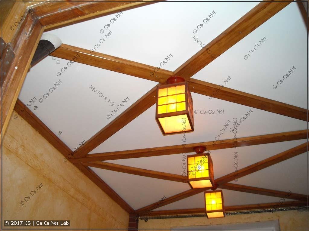 Монтируем светильники на потолок