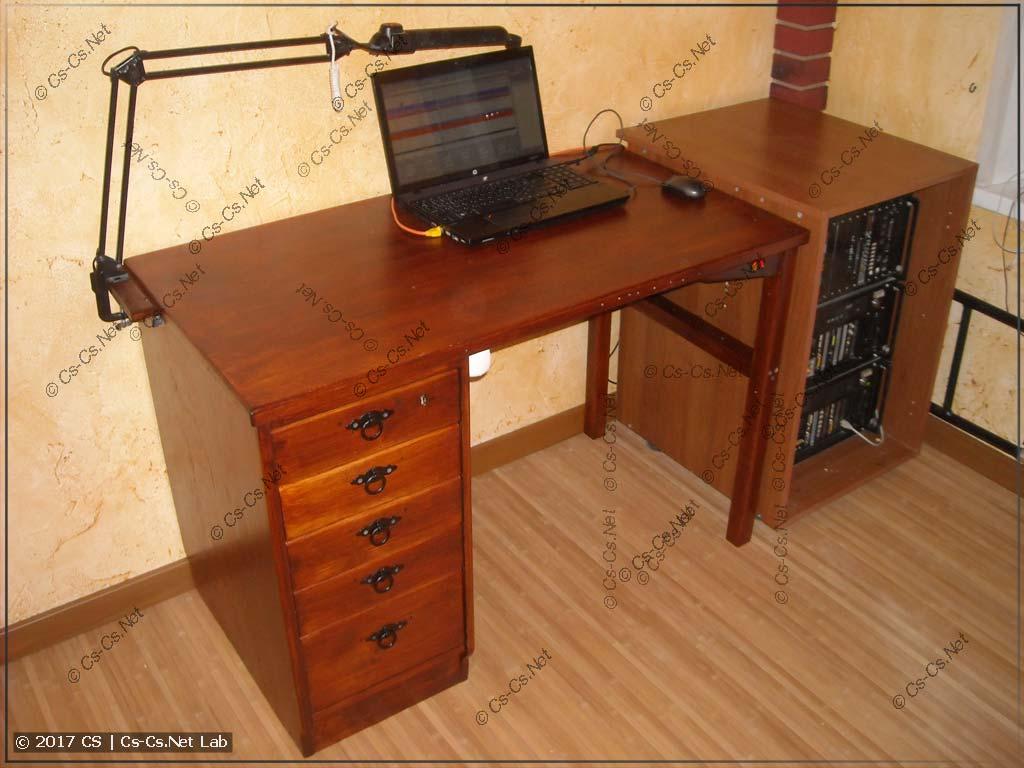 Стол и новое свежее рабочее место
