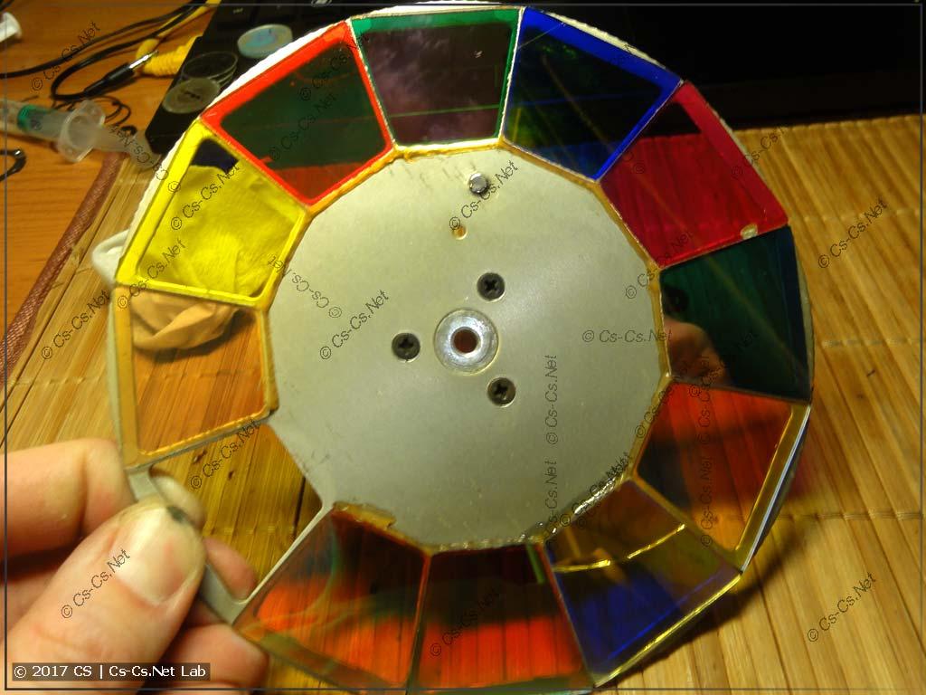 Заводское колесо светофильтров
