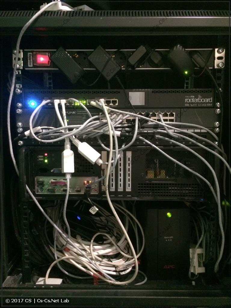 """Домашняя сеть одного заказчика в 19"""" шкафу"""