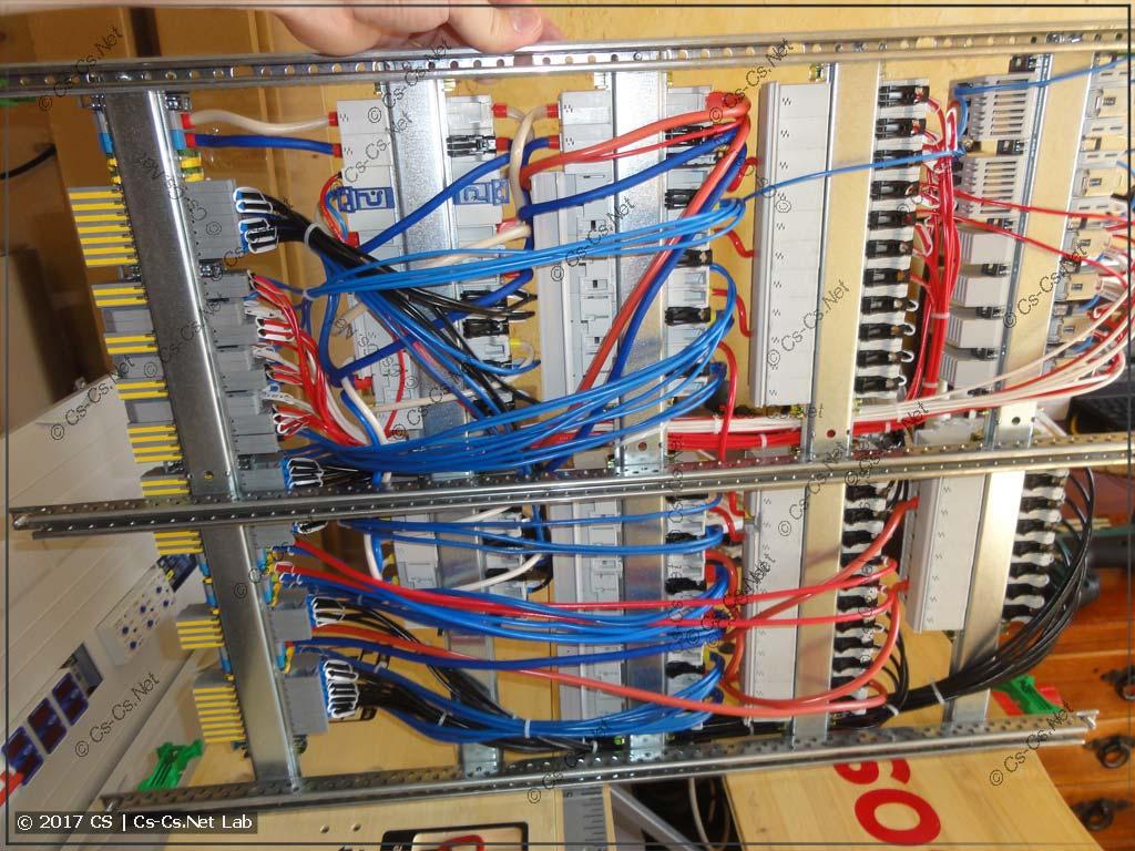 Провода от автоматов до клемм сзади щита