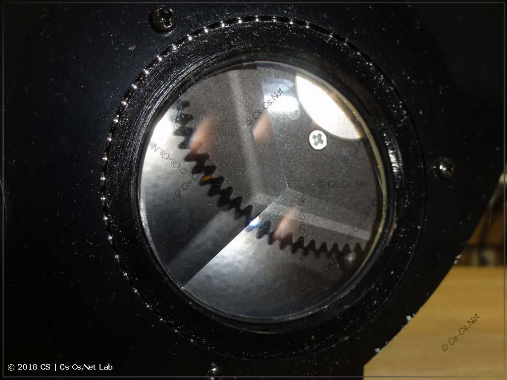 Призма сканера Robe Scan 250 XT крупным планом