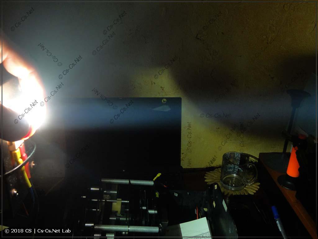 Оптический тест конденсора от светодиодного сканера (луч)