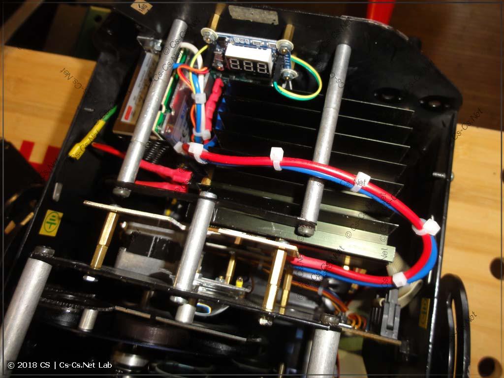 Блок оптики поставлен на место и светодиод подключен. Ура!