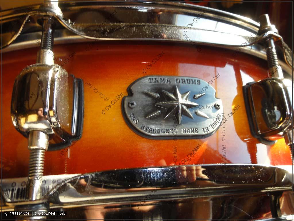Красивый логотипчик TAMA на краю барабана